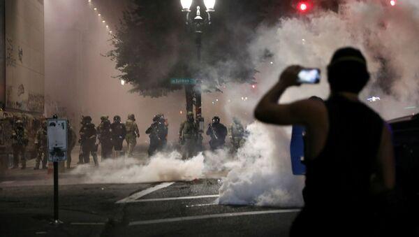 Protestas antirracistas en Portland, EEUU - Sputnik Mundo