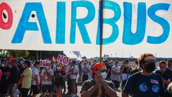 Manifestaciones contra los despidos de Airbus en España - Sputnik Mundo