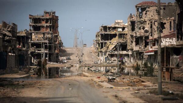 Las ruinas en la ciudad libia de Sirte - Sputnik Mundo