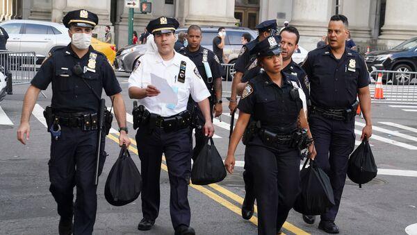 Agentes de la Policía estadounidense  - Sputnik Mundo
