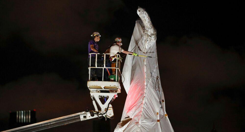 Retiran la estatua de Cristóbal Colón en Chicago