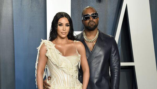 Kim Kardashian y Kanye West - Sputnik Mundo