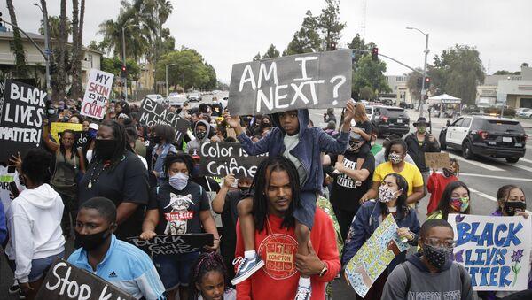 Protesta pacífica en Los Ángeles - Sputnik Mundo