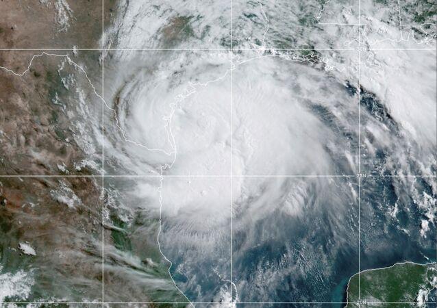 Imágenes satelitales del huracán Hanna