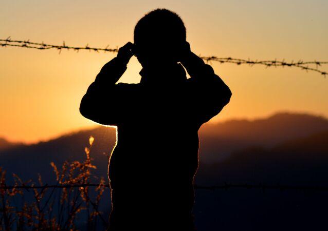 Silueta de un niño (imagen referencial)