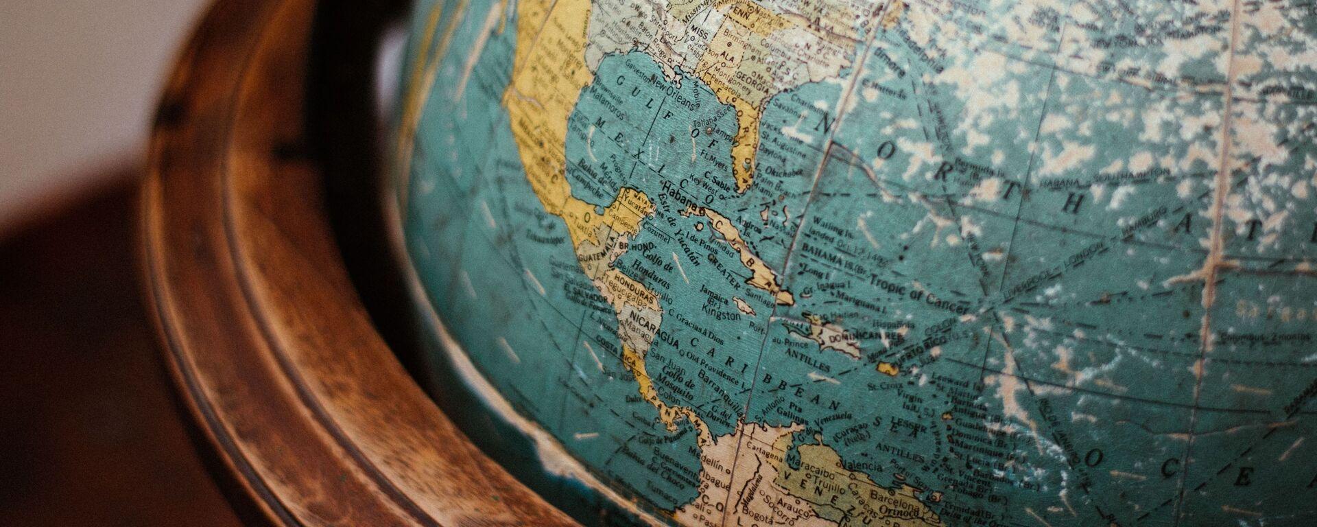Un globo terráqueo - Sputnik Mundo, 1920, 11.12.2020