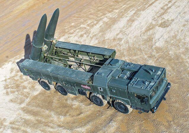 El lanzador autopropulsado 9P78-1 Iskander-M durante el Foro Internacional Técnico Militar Army 2019