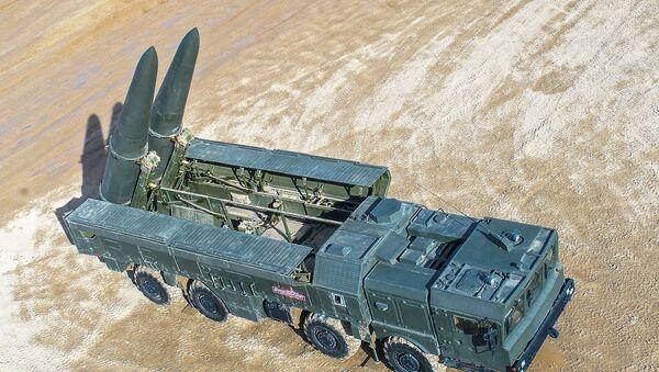 El lanzador autopropulsado 9P78-1 Iskander-M durante el Foro Internacional Técnico Militar Army 2019 - Sputnik Mundo