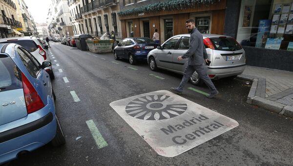 Una calle de Madrid Central en el centro de la capital - Sputnik Mundo