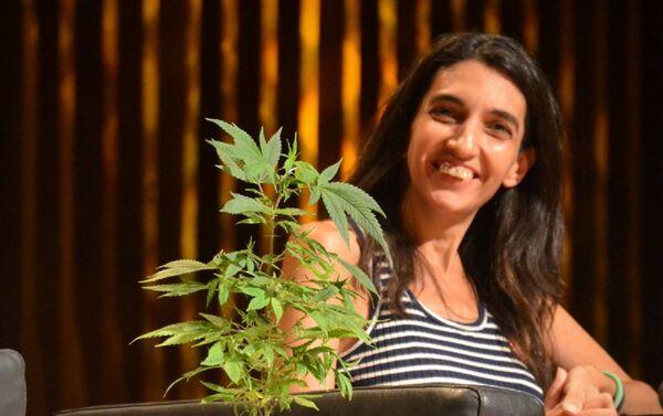 Valeria Salech, referente de Mamá Cultiva - Sputnik Mundo