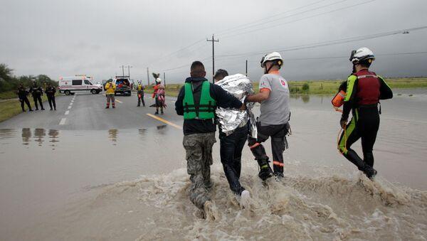Consecuencias del ciclón Hanna, en El Carmen, a las afueras de Monterrey - Sputnik Mundo