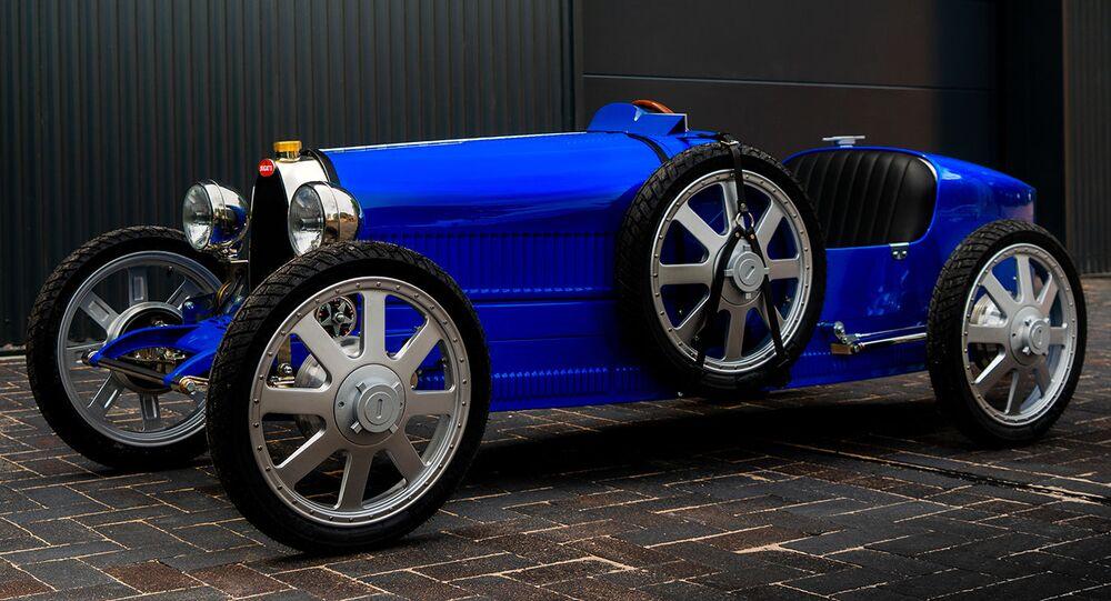 Una versión actualizada del mítico coche Type 35 de la empresa automotriz Bugatti
