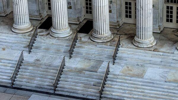 Escalinata de tribunal  - Sputnik Mundo
