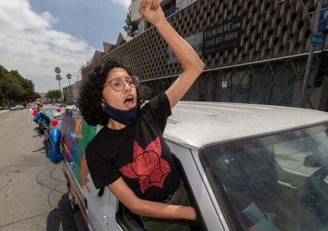 Joven migrante en EEUU se muestra a favor de la Acción Diferida para los Llegados en la Infancia (DACA), el 18 de junio del 2020