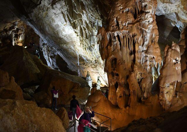 Una cueva en Crimea (archivo)