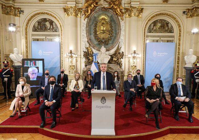Alberto Fernández, presidente argentino, y miembros de su gabinete