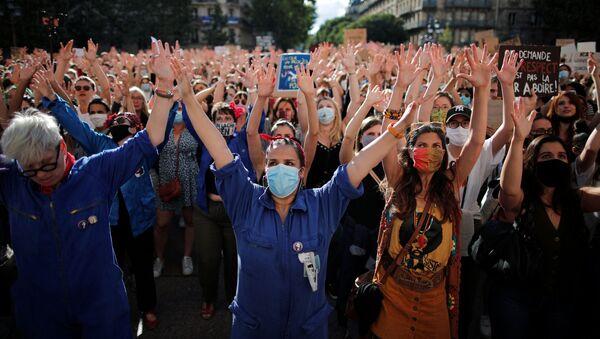 Protestas feministas en Francia - Sputnik Mundo
