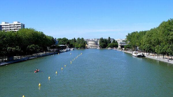 Canal de Bassin de la Villette, París - Sputnik Mundo