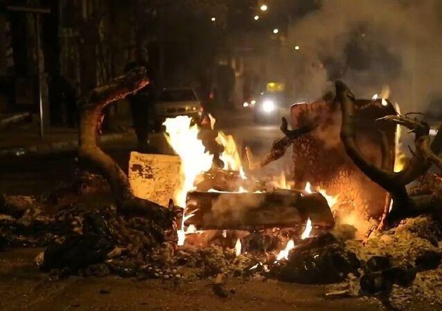 Disturbios y cacerolazos marcan el balance anual de la gestión de Piñera en Chile