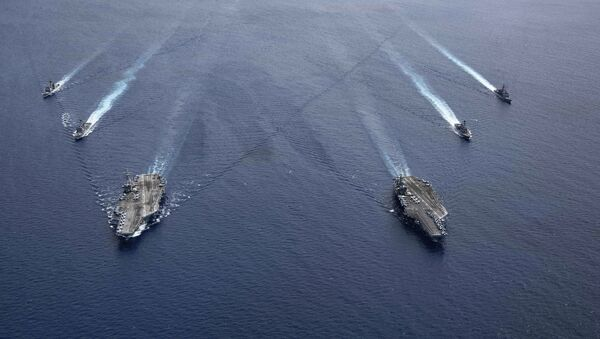 Dos portaviones estadounidenses en el mar del Sur de China en julio de 2020 - Sputnik Mundo