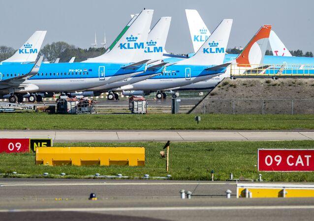 Aviones de KLM en el aeropuerto de Schiphol