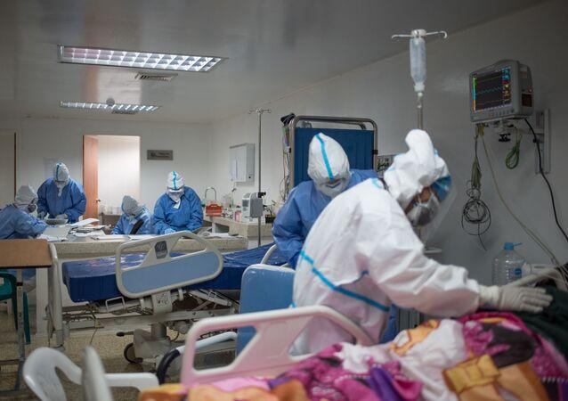 Brigada cubana atiende Unidad de Cuidados Intensivos en hospital de Caracas
