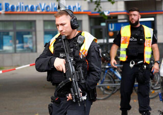 Policías en el lugar del ataque en Berlín