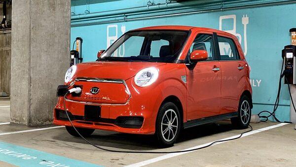 K27, vehículo eléctrico producido por la compañía china Kandi - Sputnik Mundo