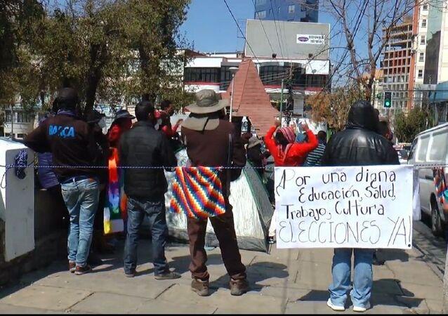 Las protestas se incrementan en Bolivia por la postergación de las elecciones presidenciales