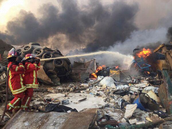 La explosión en el puerto que sacudió todo Beirut - Sputnik Mundo