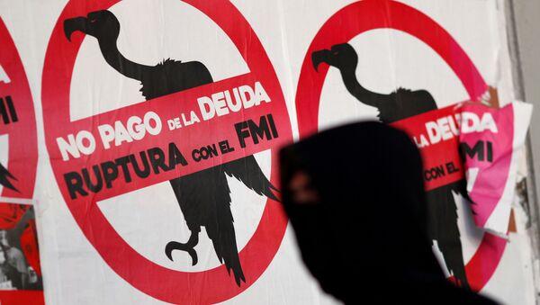 Carteles contra el FMI y el pago de la deuda en Argentina - Sputnik Mundo