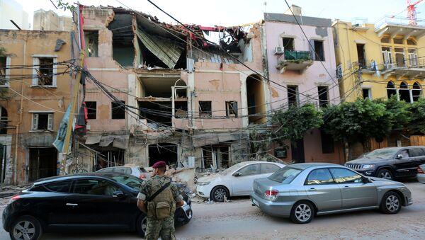 Edificios destruidos tras la explosión en el puerto libanés de Beirut - Sputnik Mundo