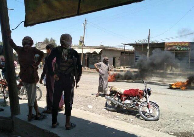 Manifestaciones de las tribus árabes en el este de Siria