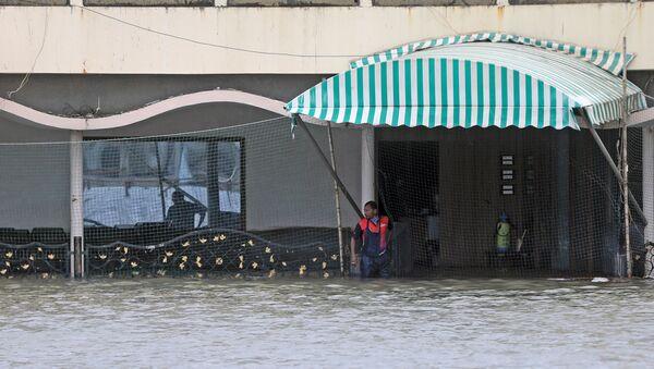 Lluvias en la ciudad india de Bombay - Sputnik Mundo