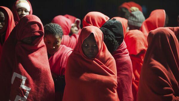 Migrantes rescatados en Málaga (imagen referencial) - Sputnik Mundo