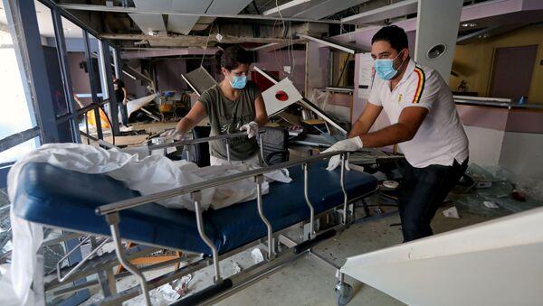 Hospital dañado luego de la explosión del puerto de Beirut en el Líbano - Sputnik Mundo
