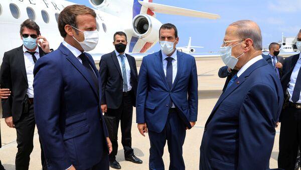 El presidente de Francia, Emmanuel Macron, y el presidente del Líbano, Michel Aoun - Sputnik Mundo