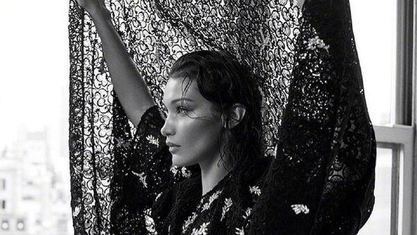 Bella Hadid, modelo estadounidense - Sputnik Mundo