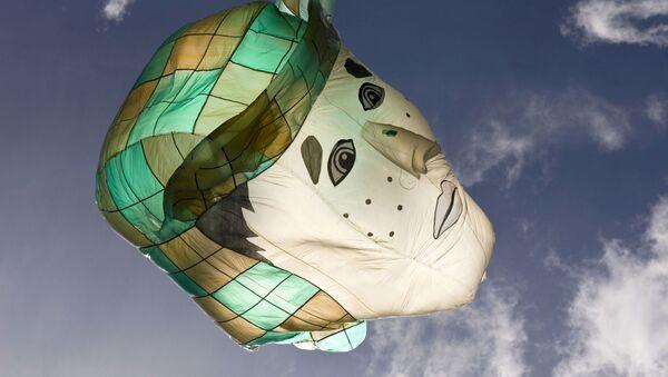 Un globo con el rostro de Chespirito, protagonista en El Chavo del Ocho - Sputnik Mundo