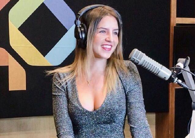 Paola Galina, locutora de la emisora de radio mexicana Los 40