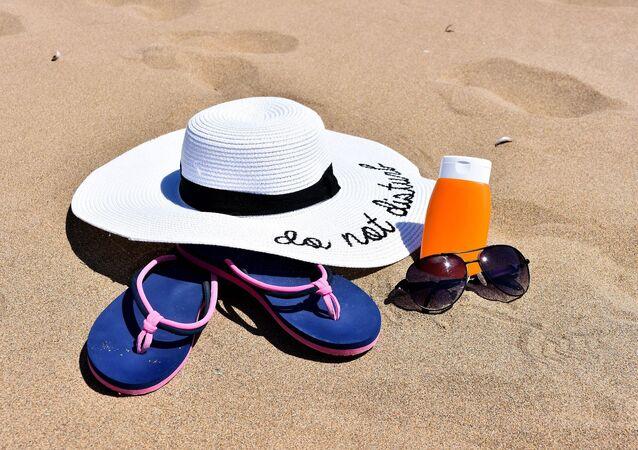 Un día en la playa, referencial