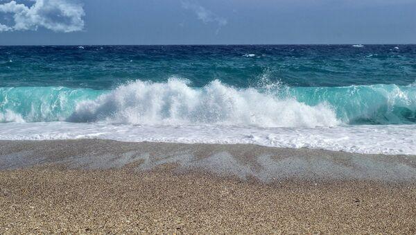 Foto referencial de una playa de Almería - Sputnik Mundo