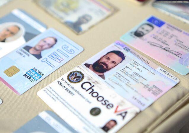 Documentos de los ciudadanos de EEUU, Luke Denman y Airan Berry, detenidos en Venezuela por un intento de golpe de Estado