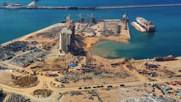 El lugar de la explosión en el puerto de Beirut - Sputnik Mundo