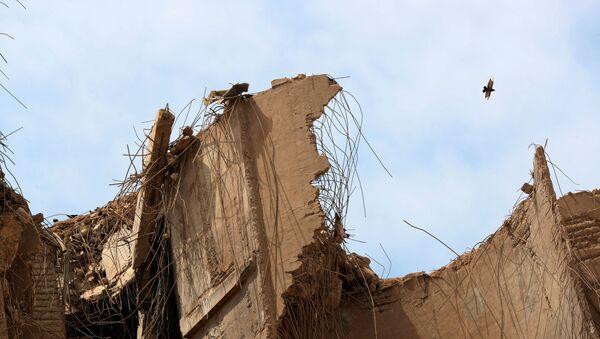 Un edificio destruido en Beirut - Sputnik Mundo