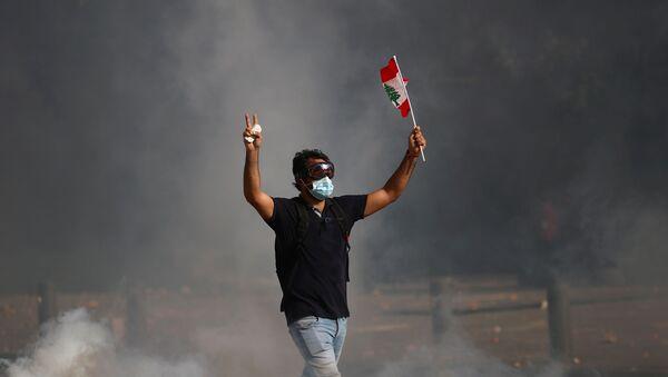 Un protestante en Beirut - Sputnik Mundo