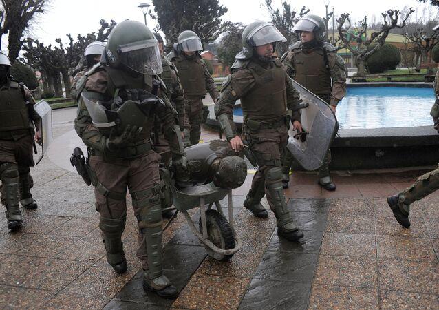 La Policía durante las protestas en Chile