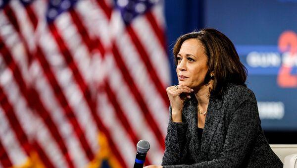 Kamala Harris, senadora estadounidense y candidata a la vicepresidencia - Sputnik Mundo