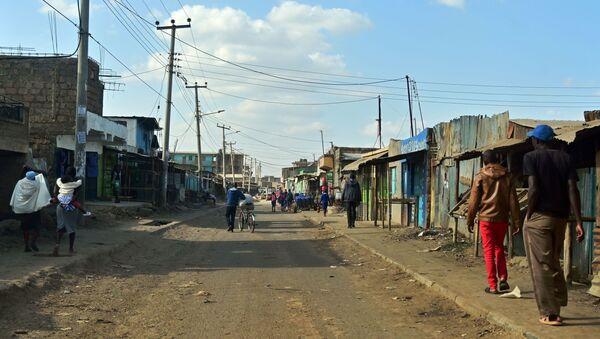 Una de las calles de Kayole, Nairobi - Sputnik Mundo