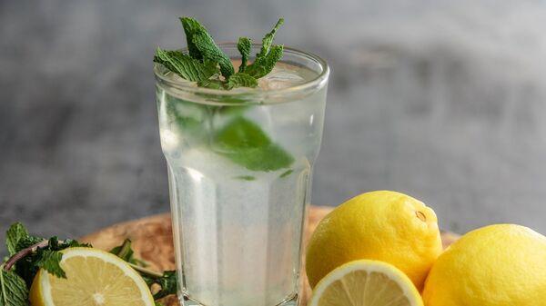 Agua con limón - Sputnik Mundo